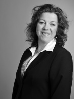 Maud Ågren, paralegal